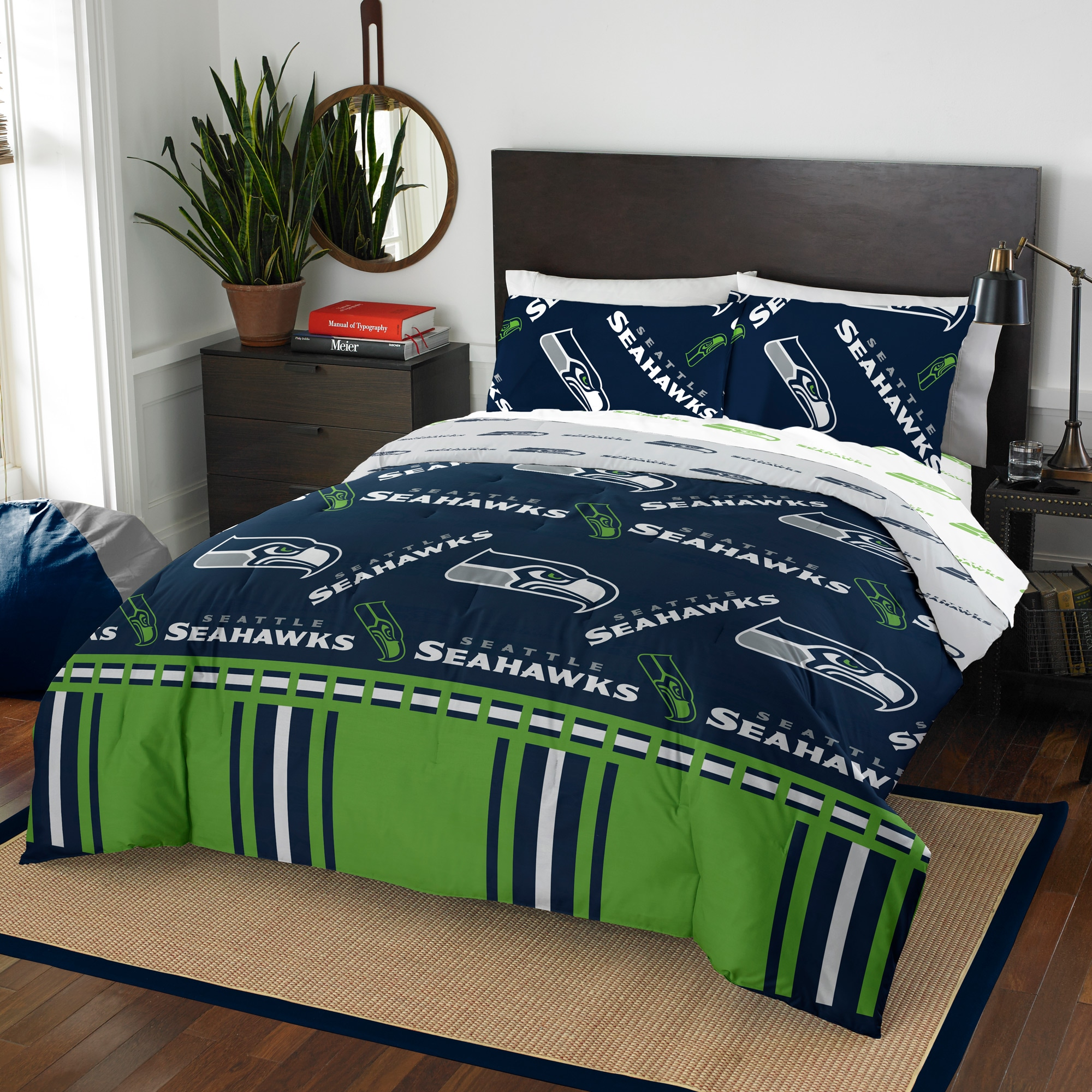 Seattle Seahawks The Northwest Company 5-Piece Queen Bed in a Bag Set