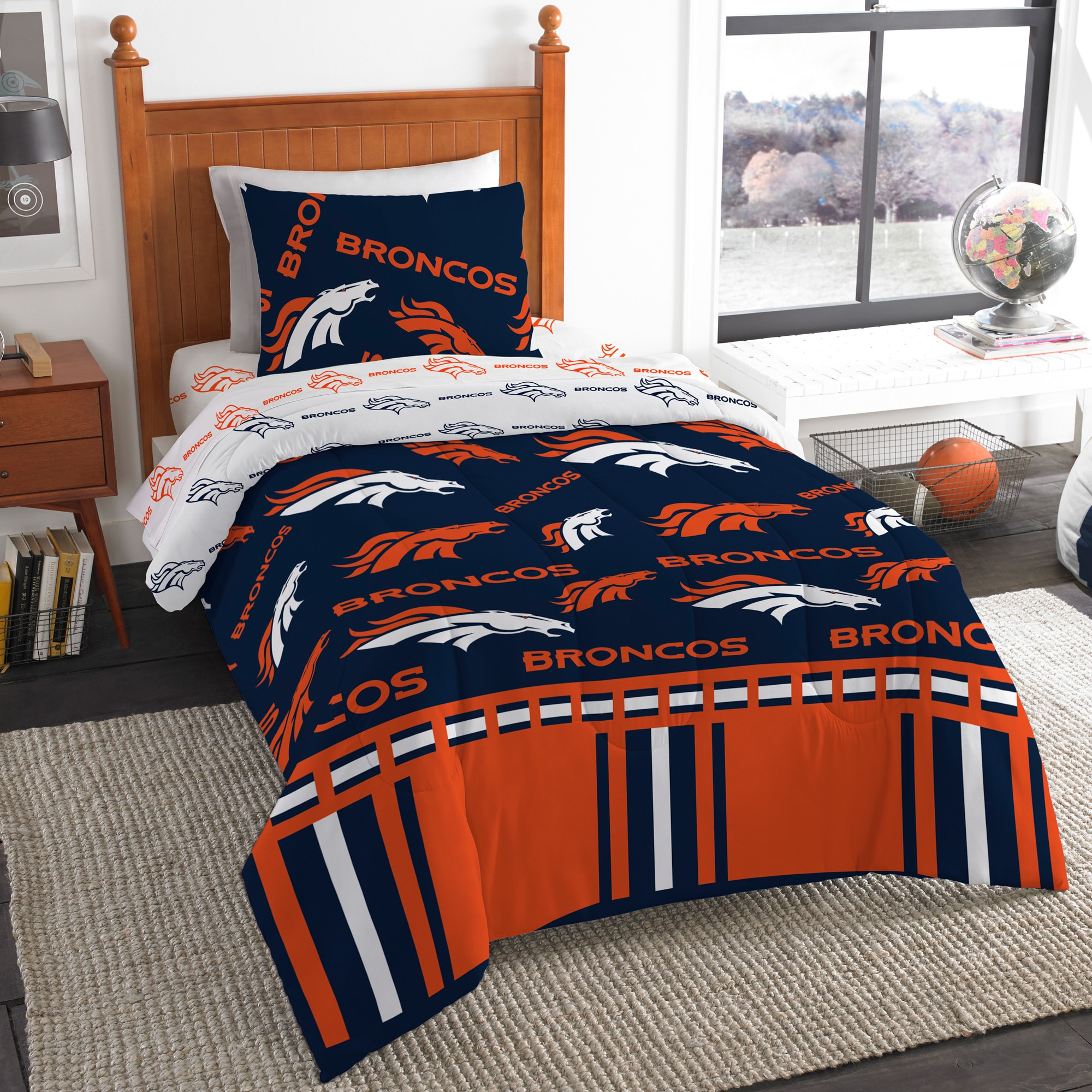 Denver Broncos The Northwest Company 4-Piece Twin Bed in a Bag Set