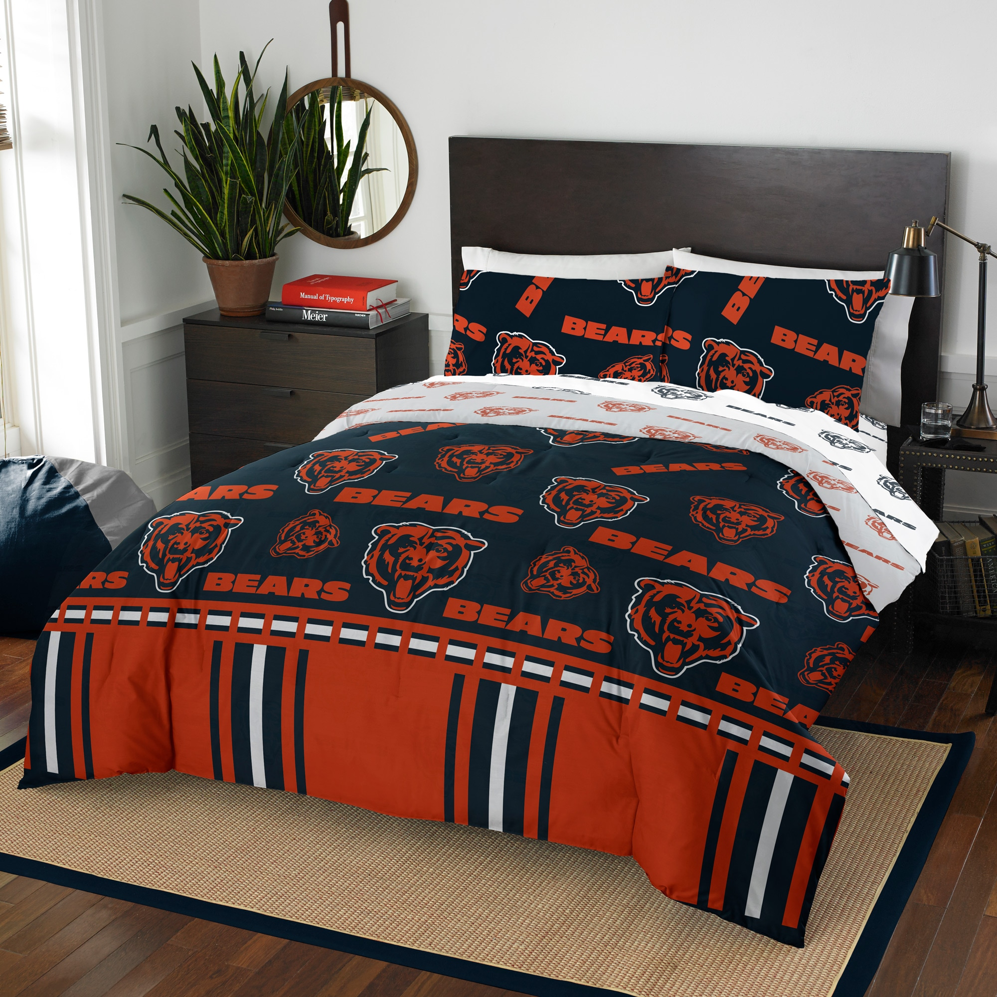 Chicago Bears The Northwest Company 5-Piece Queen Bed in a Bag Set