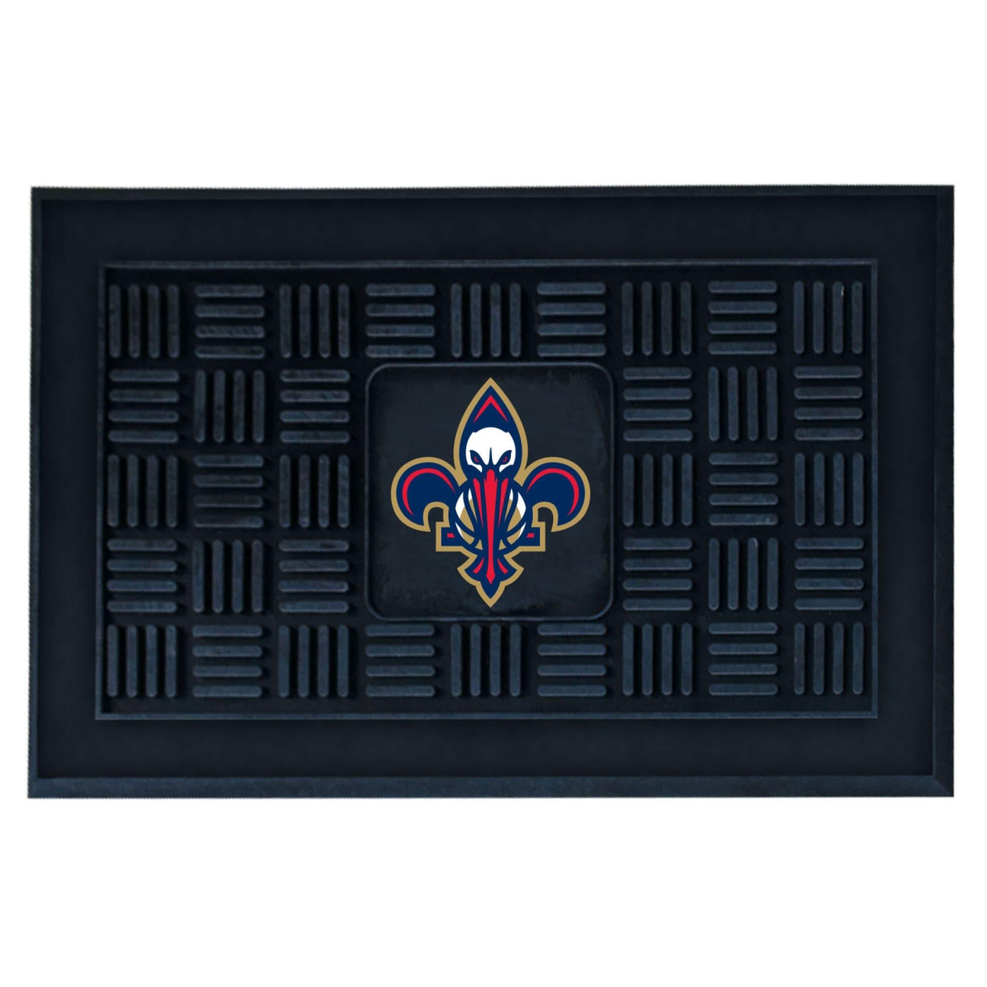 """New Orleans Pelicans 19.5"""" x 31.25"""" Medallion Door Mat"""
