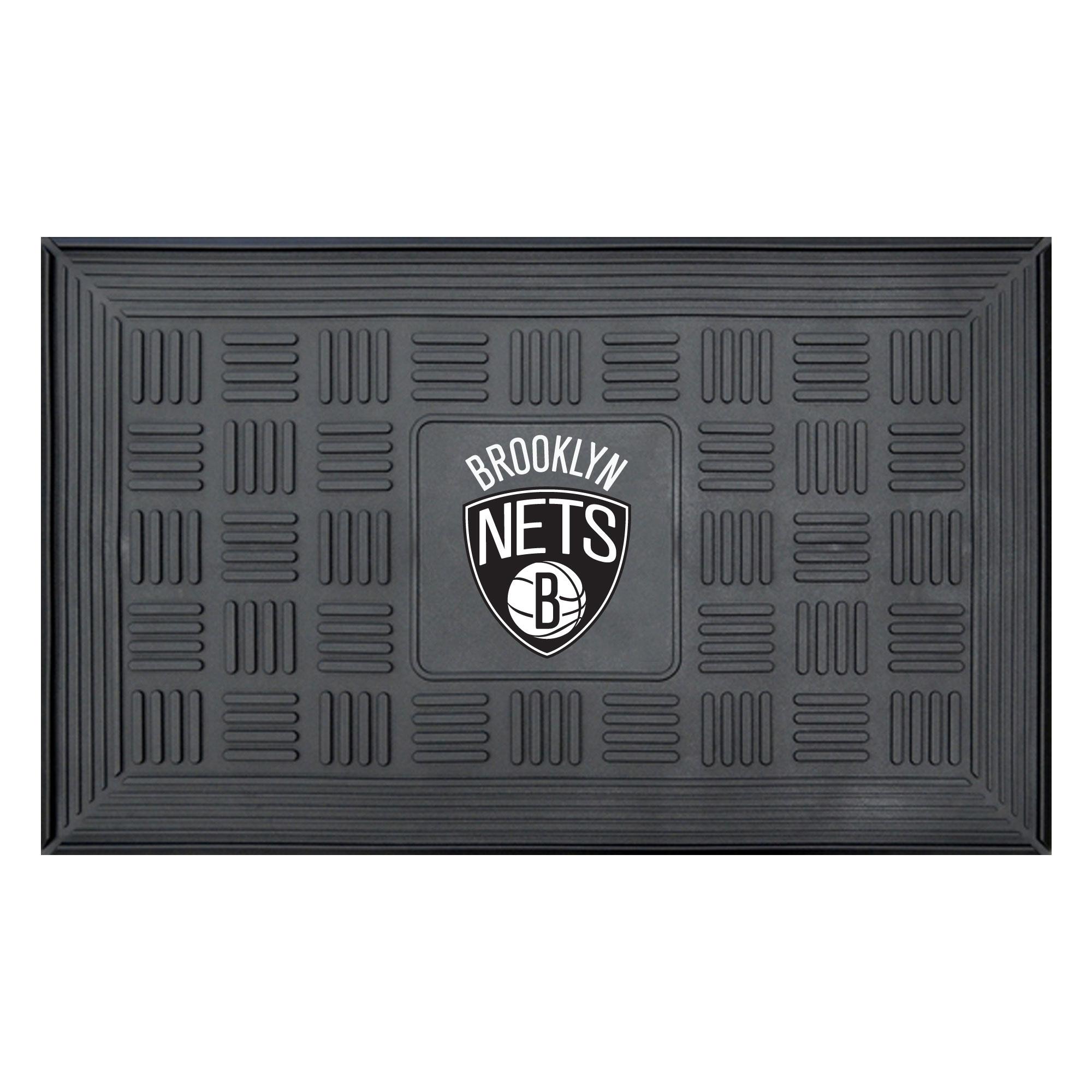 "Brooklyn Nets 19.5"" x 31.25"" Medallion Door Mat"