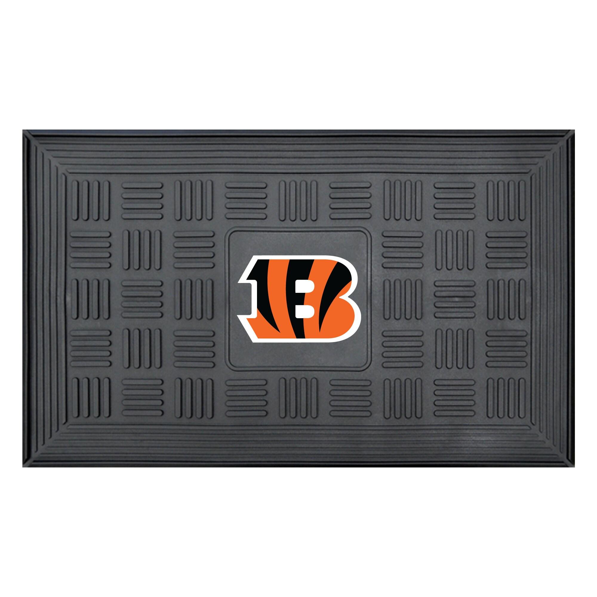 """Cincinnati Bengals 19"""" x 30"""" Vinyl Medallion Door Mat - Black"""