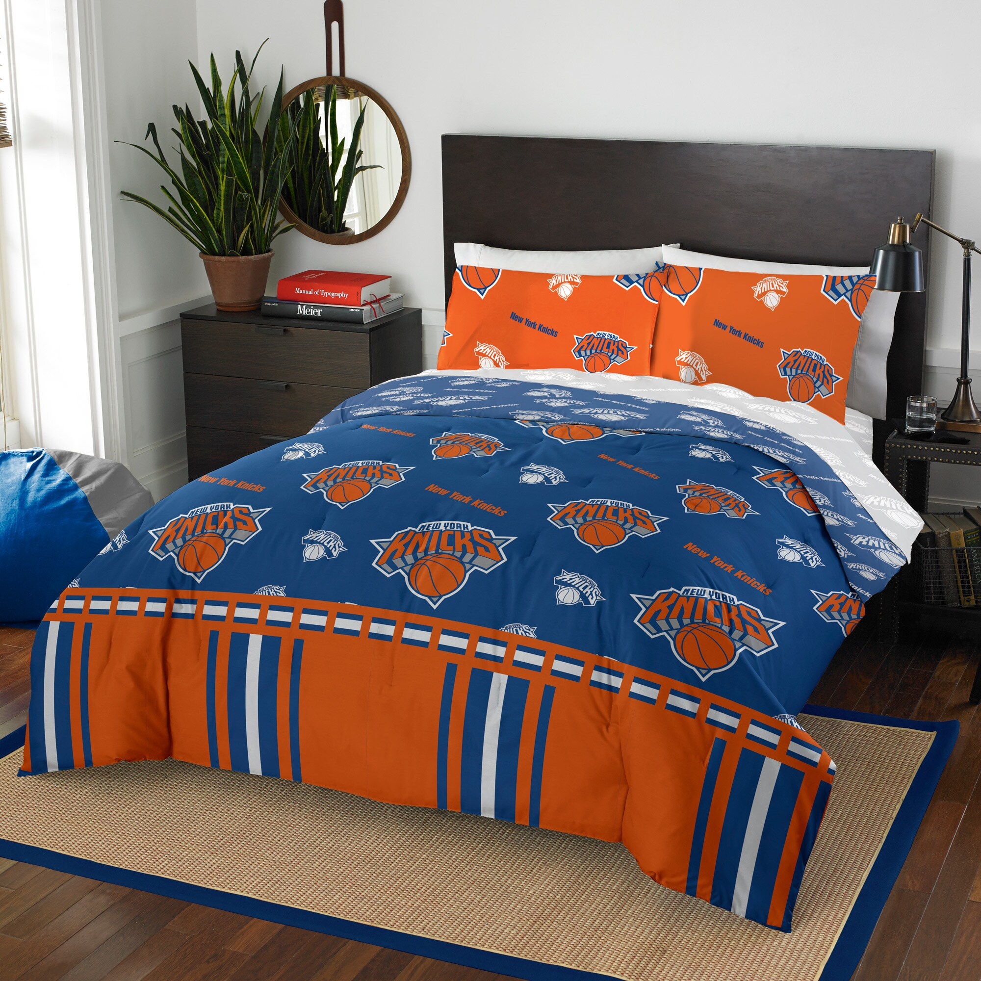 New York Knicks The Northwest Company 5-Piece Queen Bed in a Bag Set