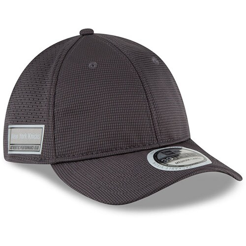 New York Knicks New Era Authentics Training 39THIRTY Flex Hat - Graphite