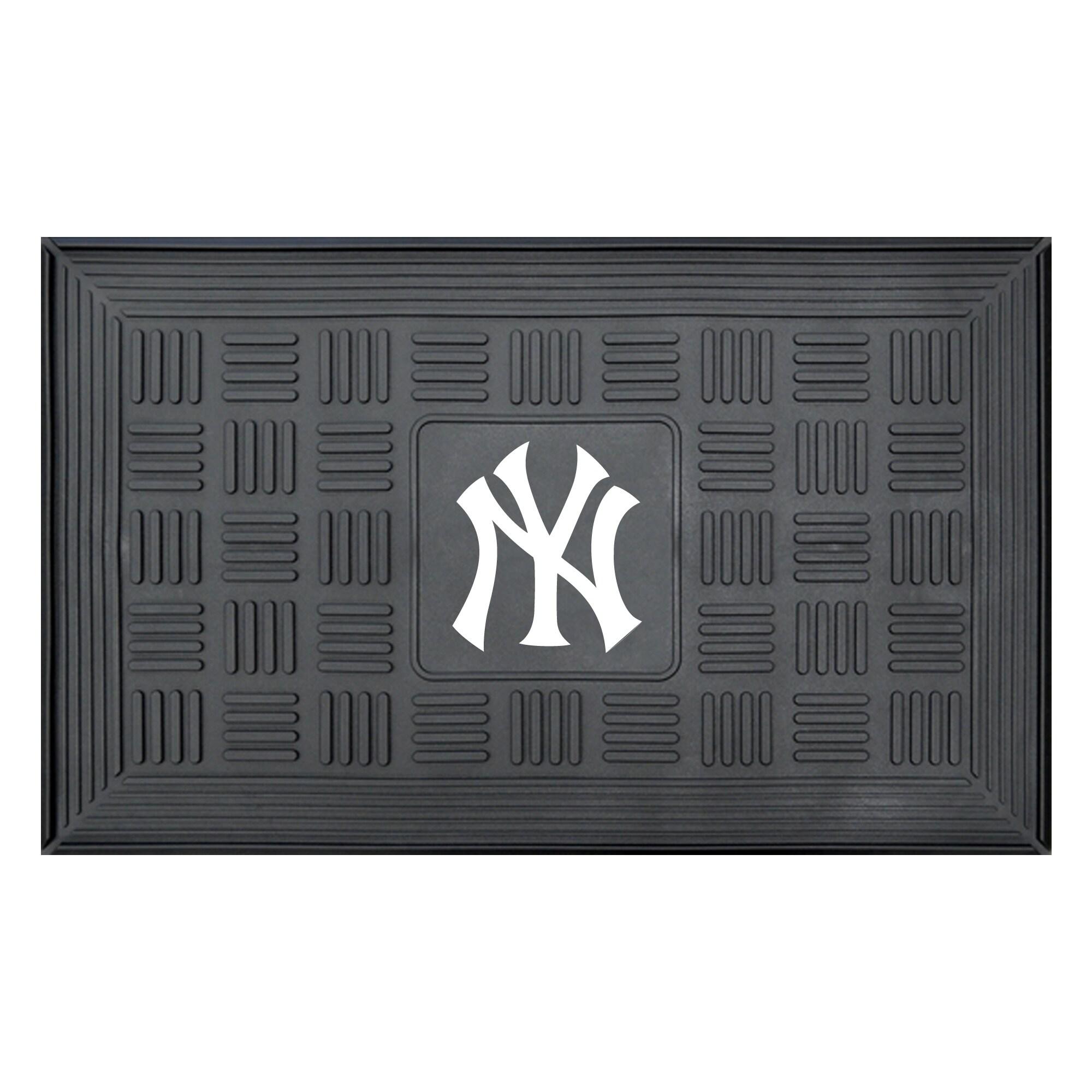 "New York Yankees 19"" x 30"" Vinyl Medallion Door Mat - Black"