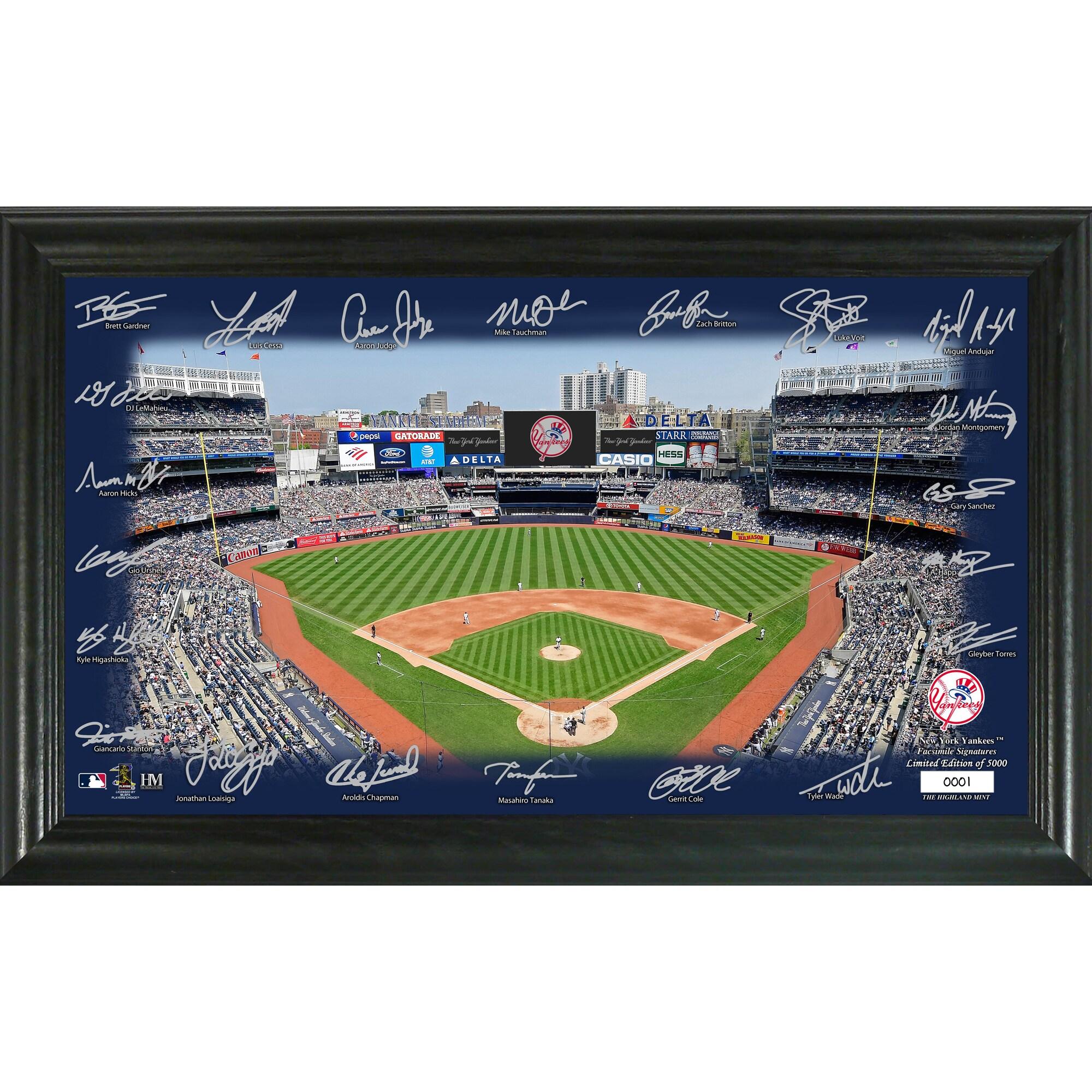 New York Yankees Highland Mint 12'' x 20'' Signature Field Limited Editon Framed Photo Mint