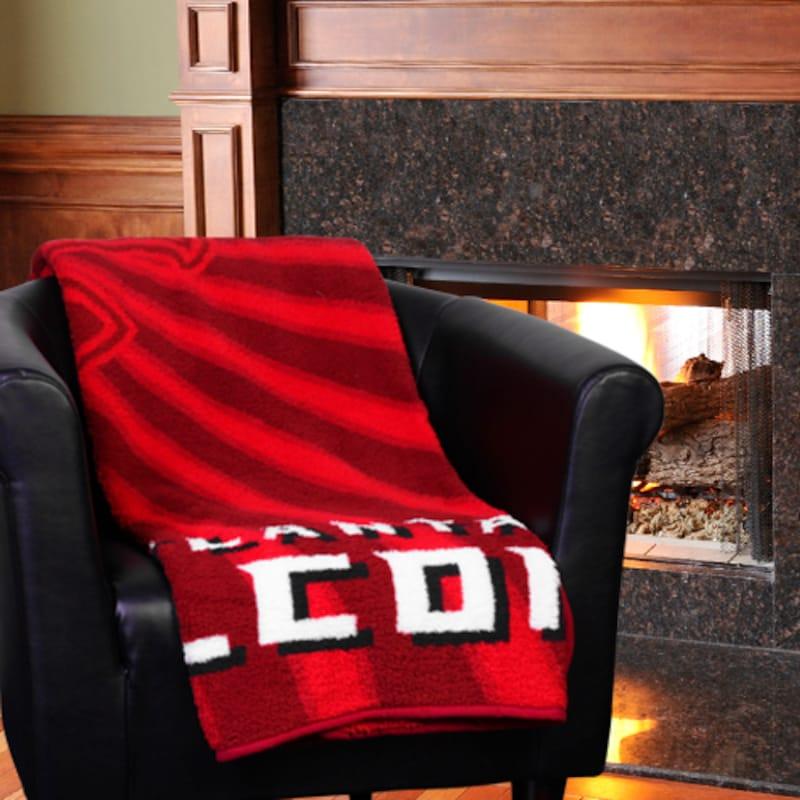 """Atlanta Falcons 50"""" x 60"""" Strobe Sherpa Blanket"""