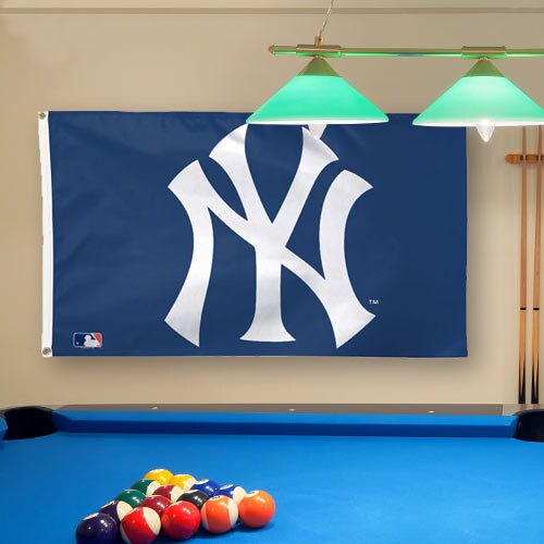 New York Yankees WinCraft Deluxe 3' x 5' Logo Flag