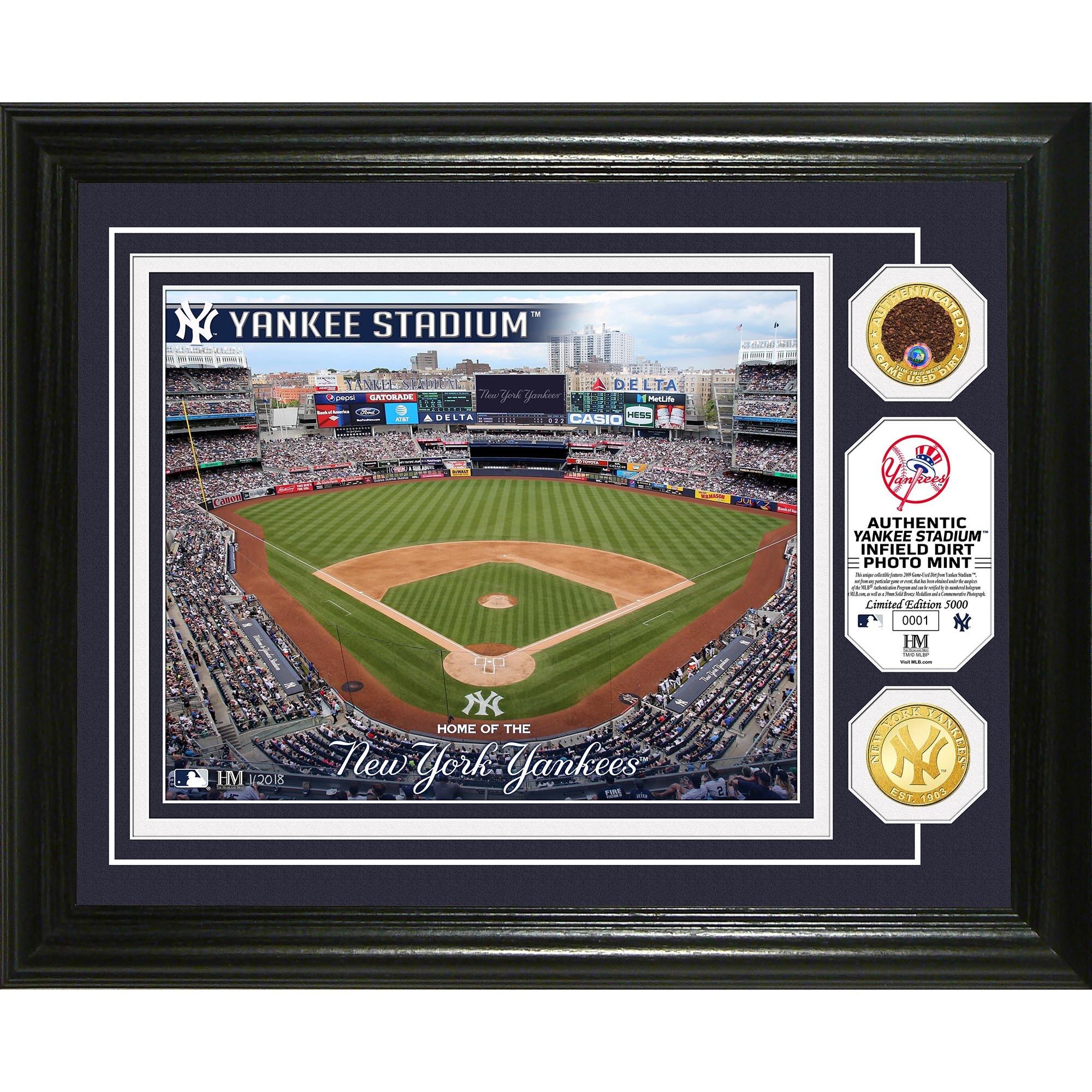 "New York Yankees Highland Mint 13"" x 16"" Dirt Coin Photo Mint"