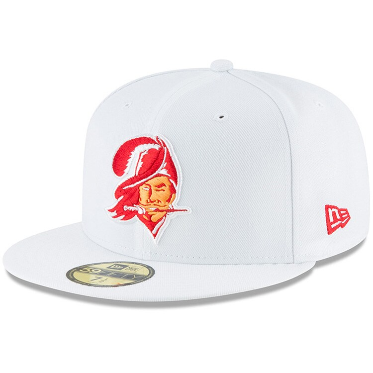 Tampa Bay Buccaneers New Era Throwback Logo Omaha 59FIFTY Fitted Hat - White