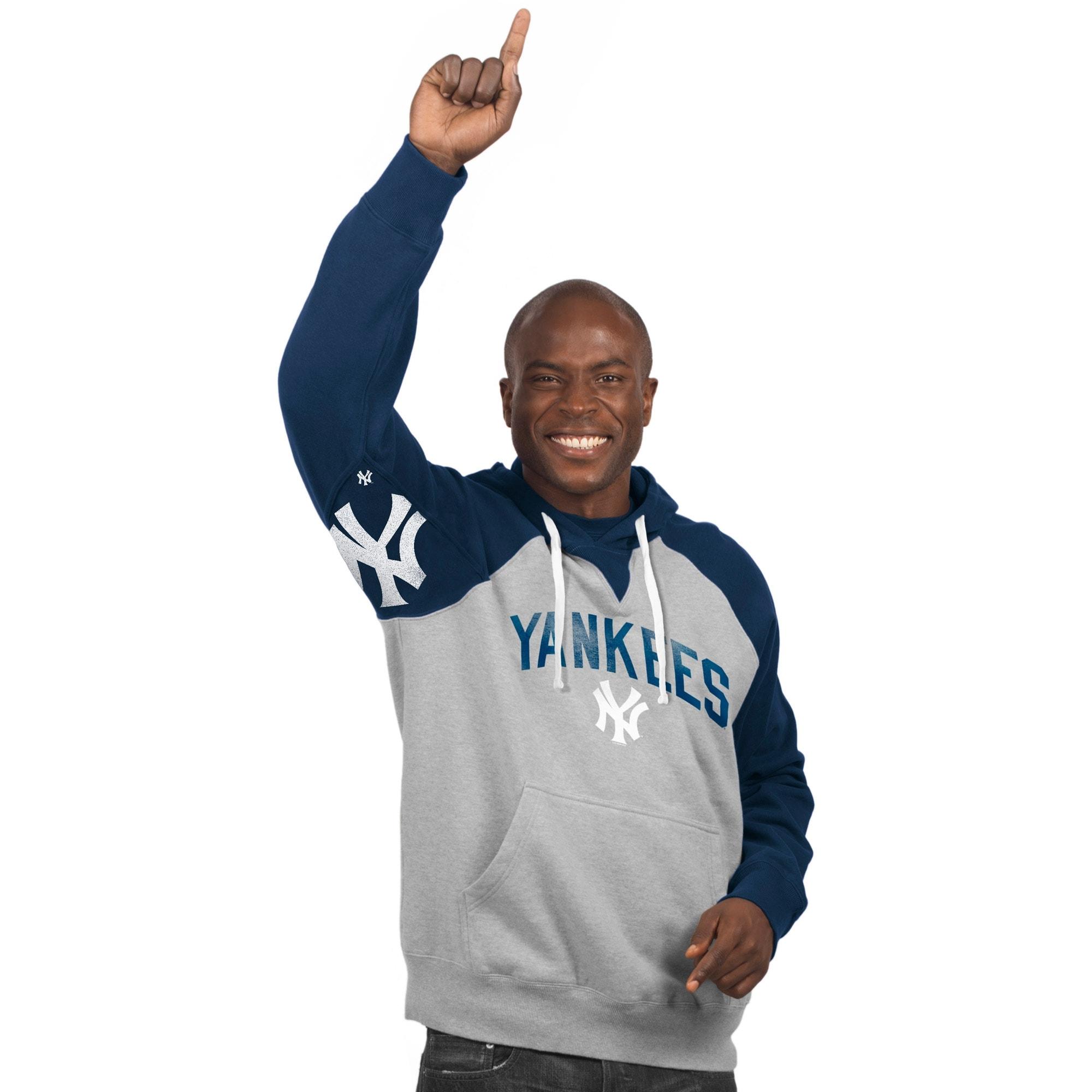 New York Yankees Hands High Pullover Hoodie - Gray