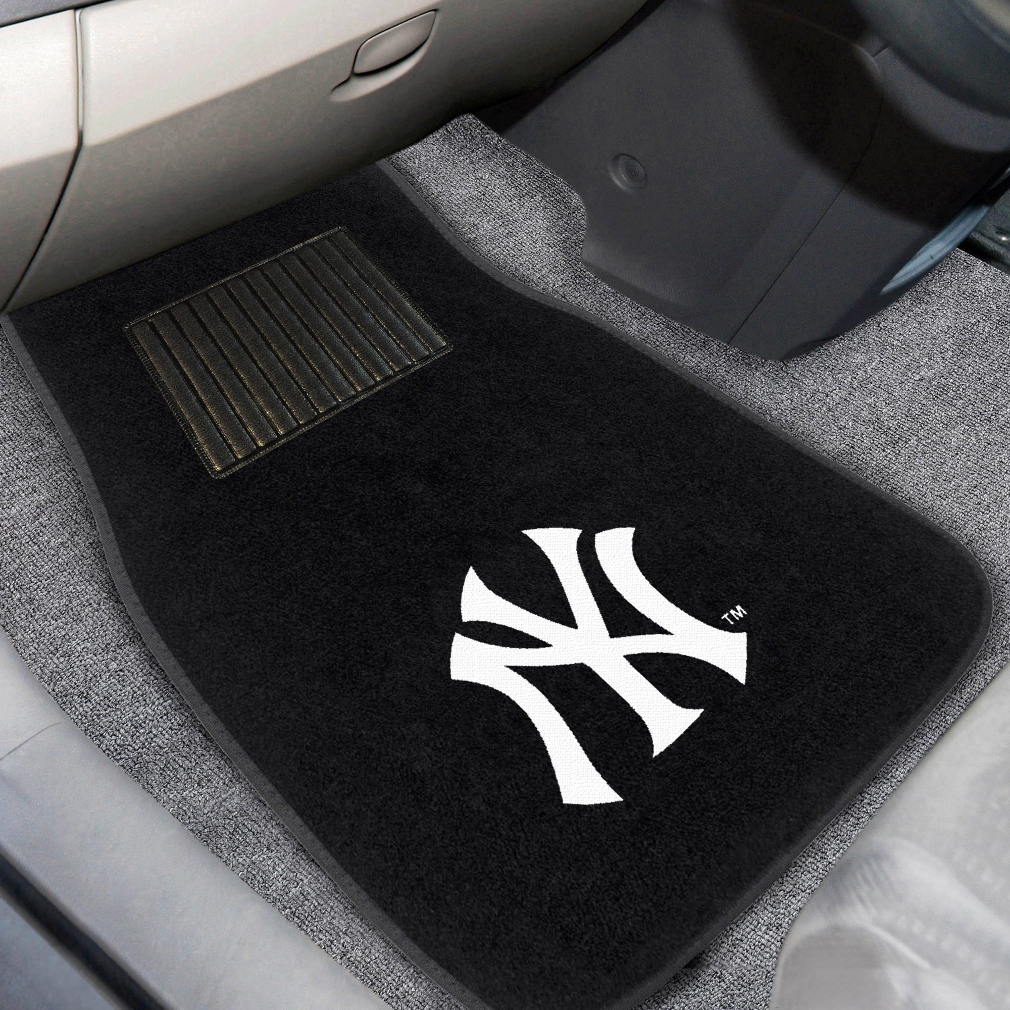 New York Yankees 2-Piece Embroidered Car Mat Set